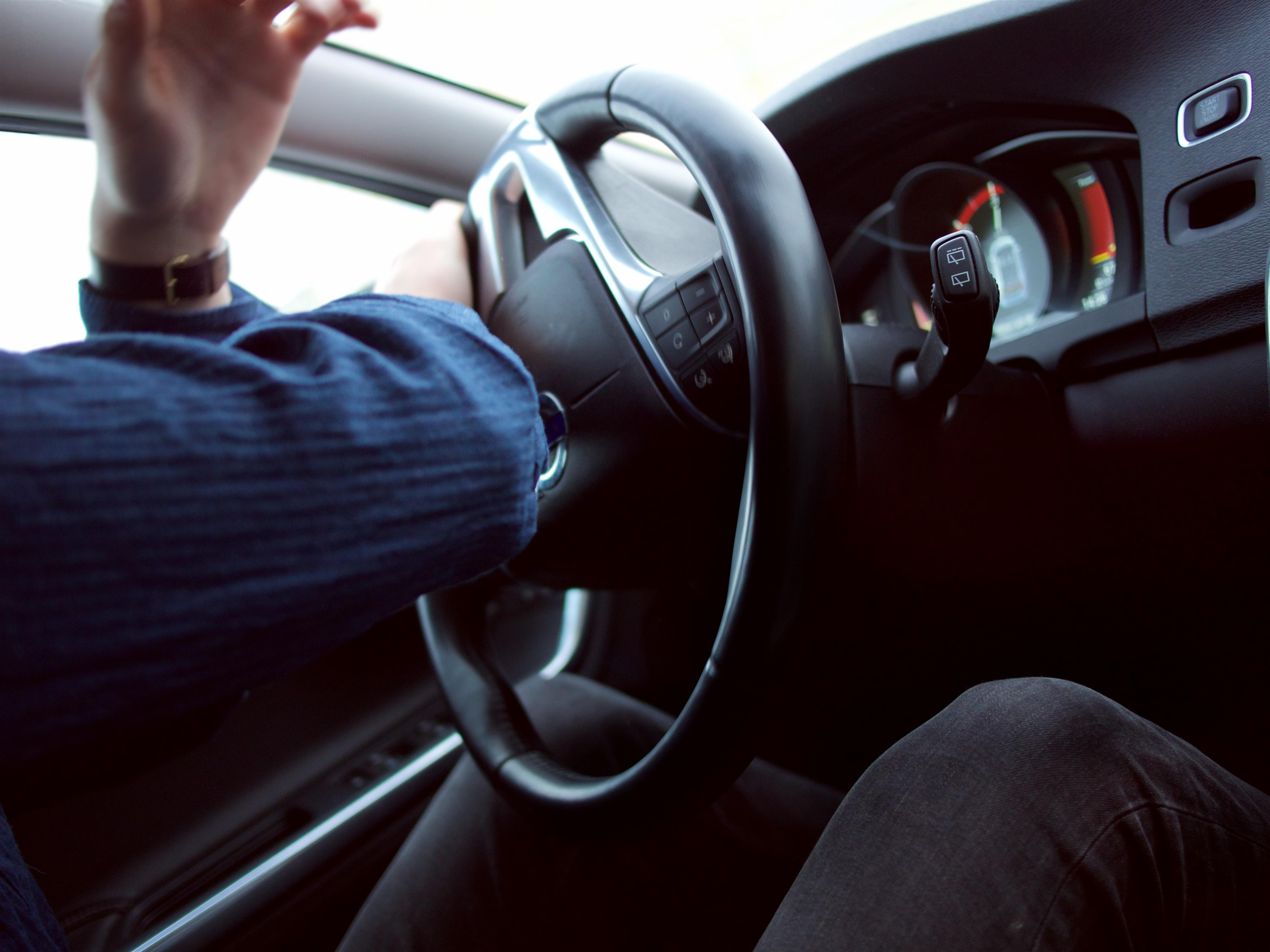 Säkerhetsanvisningar för bilbatterier